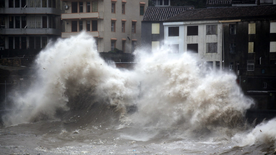 Kvůli tajfunu Chan-Hom Čína evakuovala 1,1 milionu lidí.