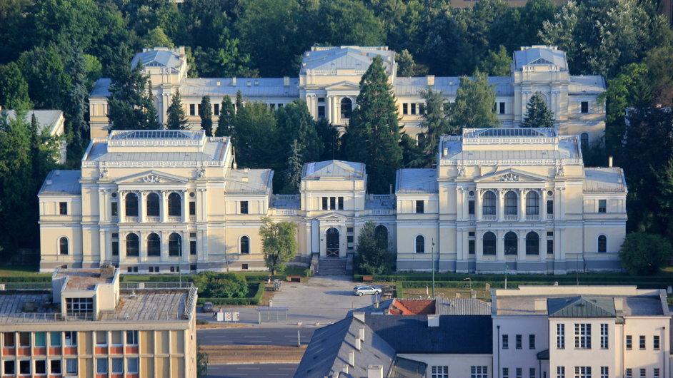 Budovu Zemského muzea v Sarajevu roku 1913 upravil český architekt Karel Pařík.