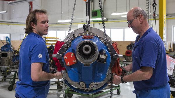 Předzvěstí dalšího růstu jsou plánované investice. Mezi nejzajímavější patří záměr GE Aviation udělat z Česka centrum vývoje a výroby turbovrtulových motorů. Na snímku letňanský závod GE Aviation.