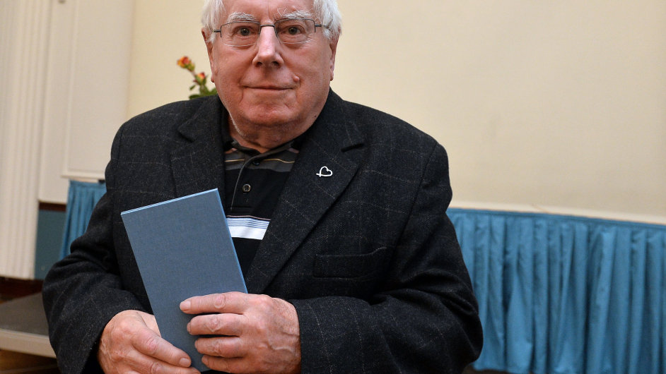 Dušan Karpatský byl vloni v říjnu při předávání Ceny Josefa Jungmanna uveden do Síně slávy českého překladu.