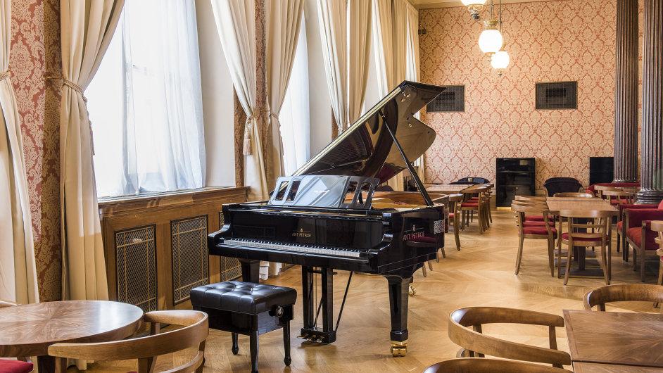 Café Rudolfinum se otevřelo 14. února.