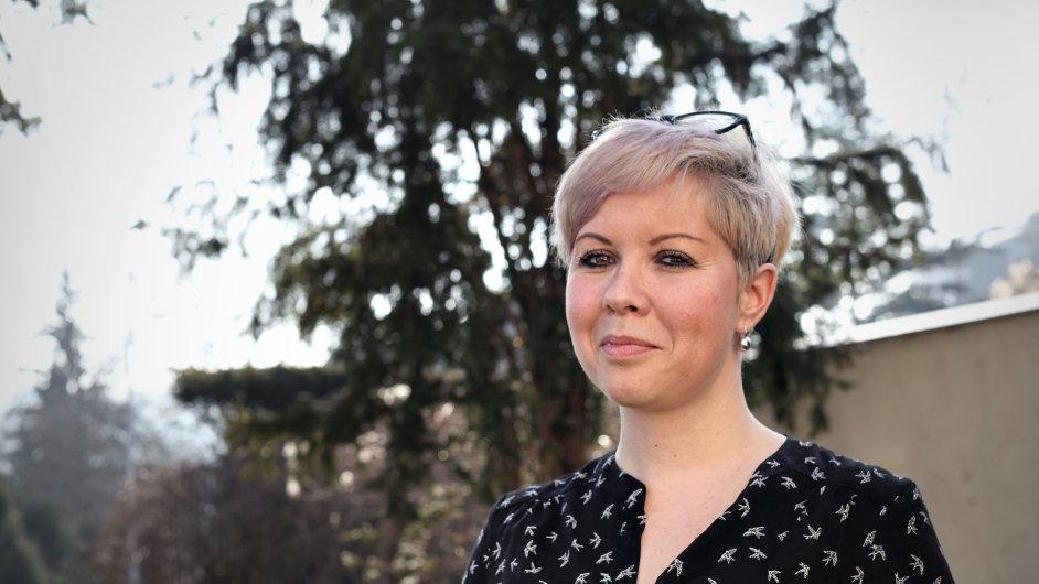 Olga Štrejbarová plní opuštěným seniorům vánoční přání.