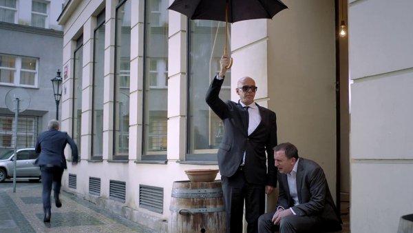 Snímek z videoklipu J.A.R.