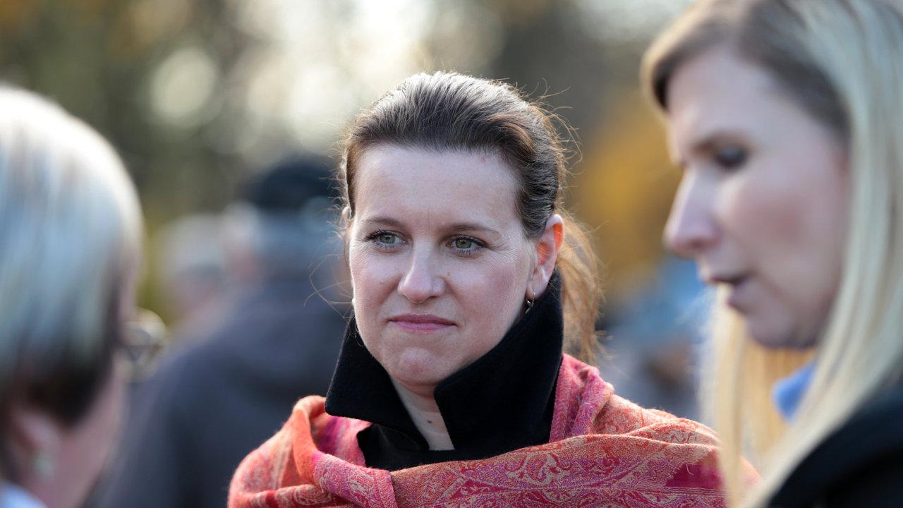 Náměstkyně ministryně školství Simona Kratochvílová s ministryní Kateřinou Valachovou.