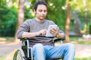 Smartphony dobývají negramotné a handicapované. Díky aplikacím mohou komunikovat pomocí hlasu, fotek nebo videí
