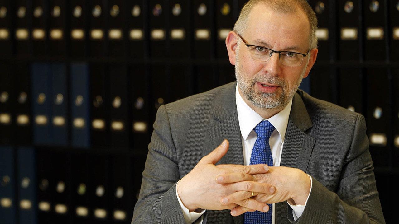 Ladislav Miko má vEvropské komisi na starosti bezpečnost akvalitu potravin.