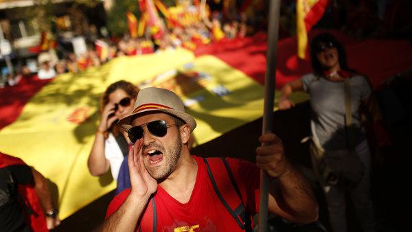Protest proti vyhlášení nezávislosti Katalánska.