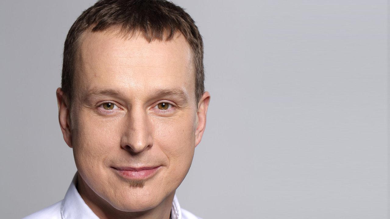 Petr Dvořák (45) je generálním ředitelem českého Vodafonu.