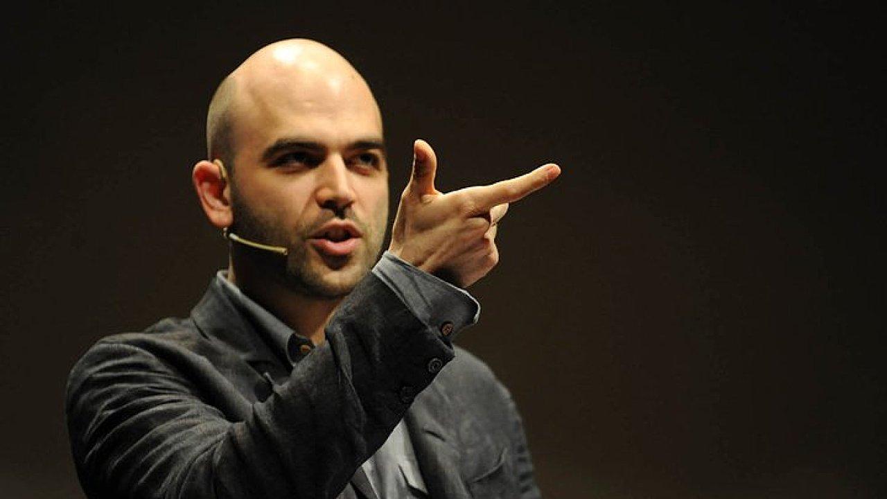 Spisovatel Roberto Saviano se před mafií ukrývá už dvanáct let.