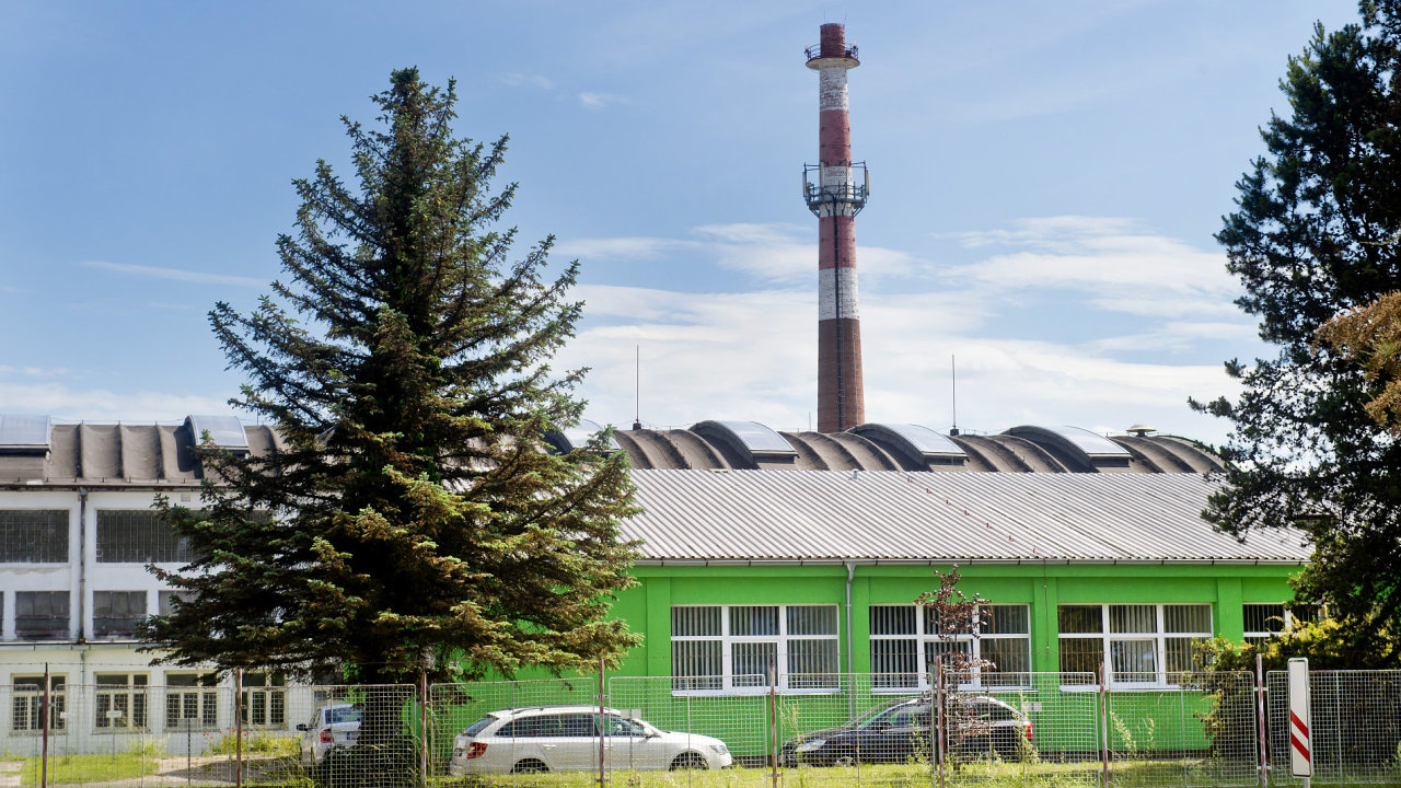 Lakovna a zinkovna AZOS v Nymburku