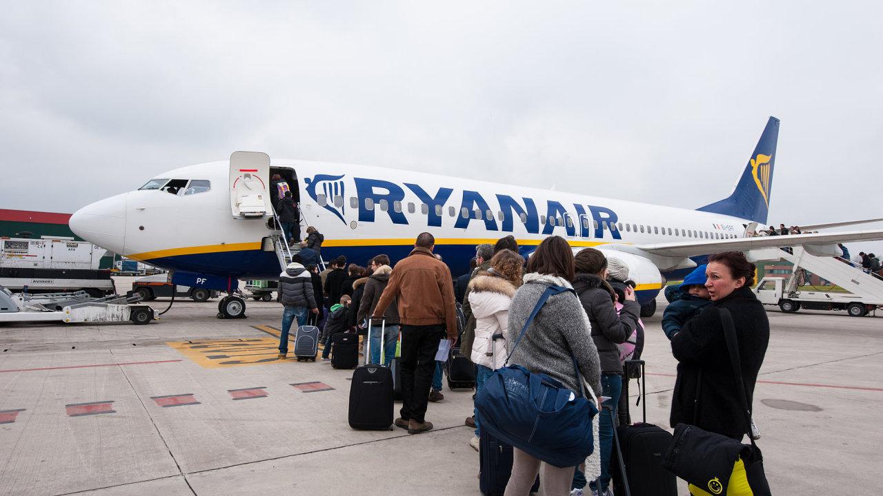 """Ryanair je proslulý tím, že s cestujícími nezachází právě """"v rukavičkách""""."""