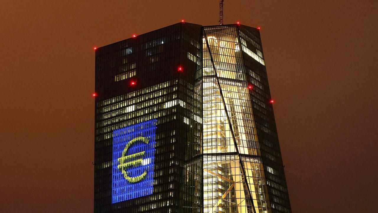 ECB je centrální bankou 19 zemí Evropské unie, které přijaly euro. Jejím hlavním úkolem je udržovat cenovou stabilitu v eurozóně a udržet tak kupní sílu jednotné evropské měny.