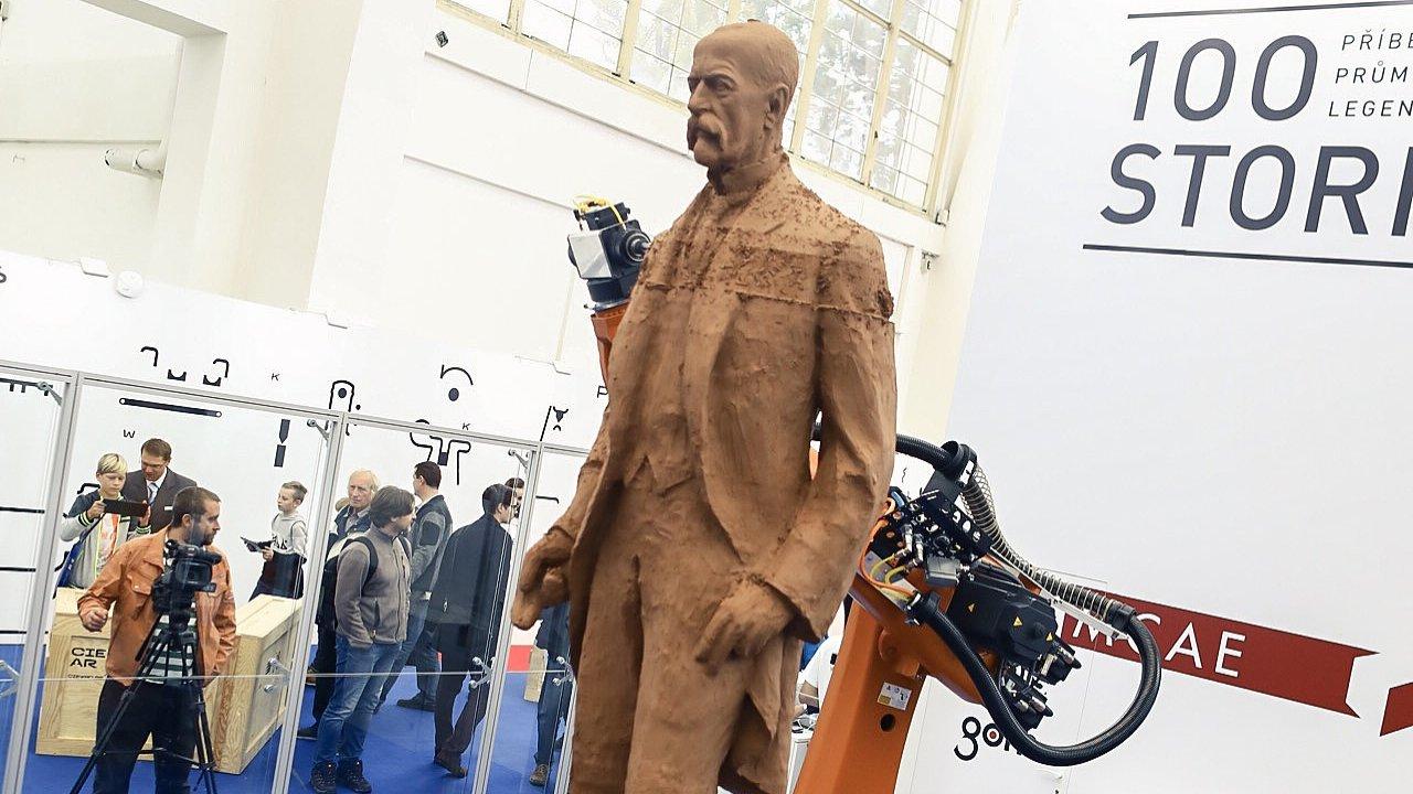 Strojírenský veletrh 2018 v Brně. Socha T. G. Masaryka od robota.
