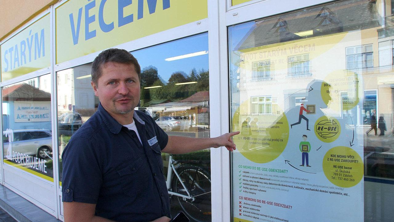 Šéf městské firmy Eko servis Milan Doubravský je pyšný nato, že se během pouhých tří měsíců podařilo úspěšně rozjet projekt Život starým věcem alidé se naučili nevyhazovat věci.