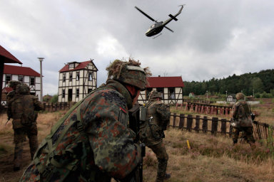 Cvičení vojáků německého bundeswehru nedaleko norského města Bergen - ilustrační foto.