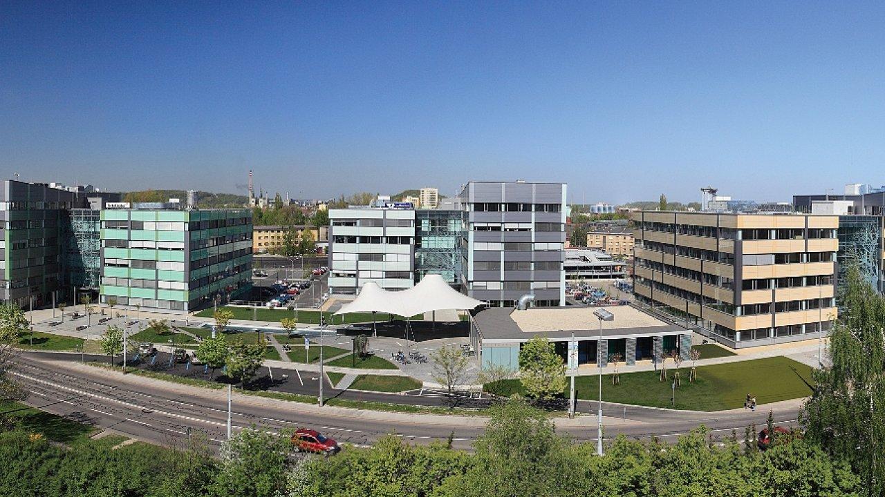 Orchard nabízí 34 tisíc metrů čtverečních moderních kanceláří ve třech budovách.