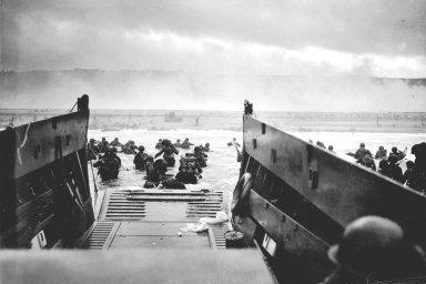 Před 75 lety otevřeli Spojenci západní frontu. Během Dne D padlo v Normandii na 10 tisíc vojáků