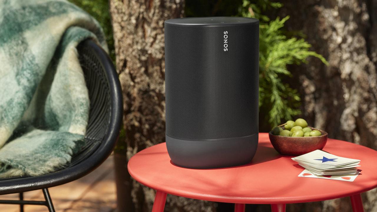 Sonos Move je luxusní bezdrátová reprosoustava, které je nejlépe kolem rodinného domu.