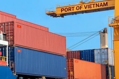 Firmy zČeska ušetří až 900 milionů korun díky dohodě ovolném obchodu mezi EU aVietnamem. Včera ji schválil Evropský parlament. Postupně se tak odstraní téměř všechna cla adalší bariéry.
