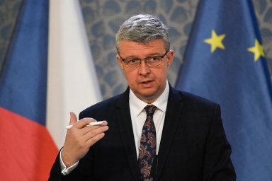 """""""Nabídneme jim mix výhodných úroků, záruk a odkladu splátek,"""" slibuje místopředseda vlády a ministr průmyslu a dopravy Karel Havlíček (za ANO)."""