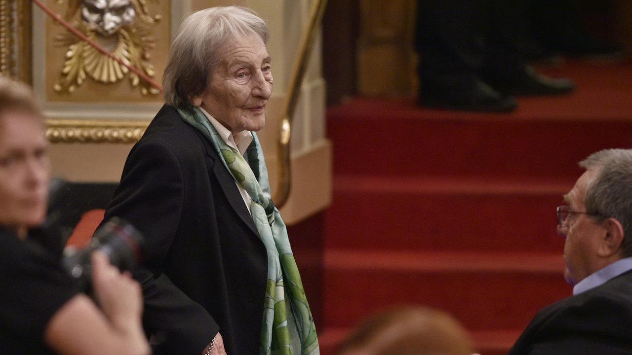 Vzpomínat přišla také Dana Zátopková. Jejího manžela připomněl ve své řeči Jiří Kynos, bývalý československý atlet a nyní funkcionář ČOV.