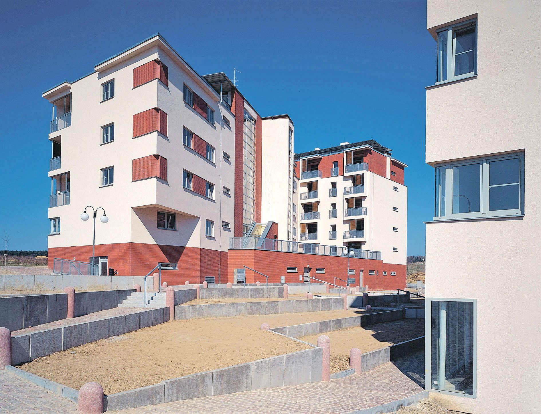 Souborplzeňských bytovýchdomů Sylván.