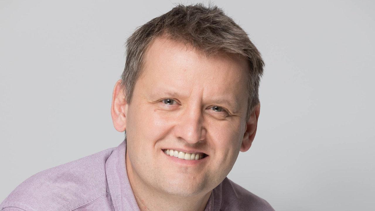 Jiří Smetana z centra péče o zákazníky T-Mobilu říká, že kromě mnoha jiných výhod home officu se v průběhu pandemie dokonce snížila absence.
