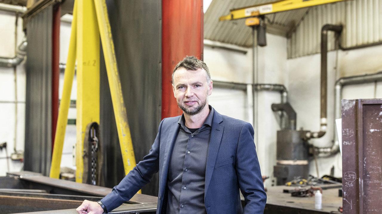 Ročně získá firma Michala Peška Pešek Machinery kolem 300 různě velkých zakázek.
