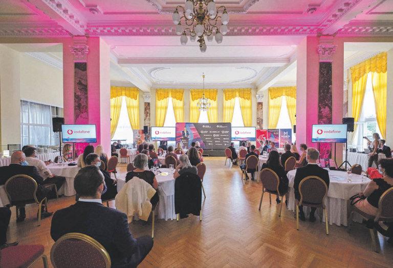 Vyhlašování Vodafone Firma roku 2020 a MONETA Živnostník roku 2020, Karlovarský kraj