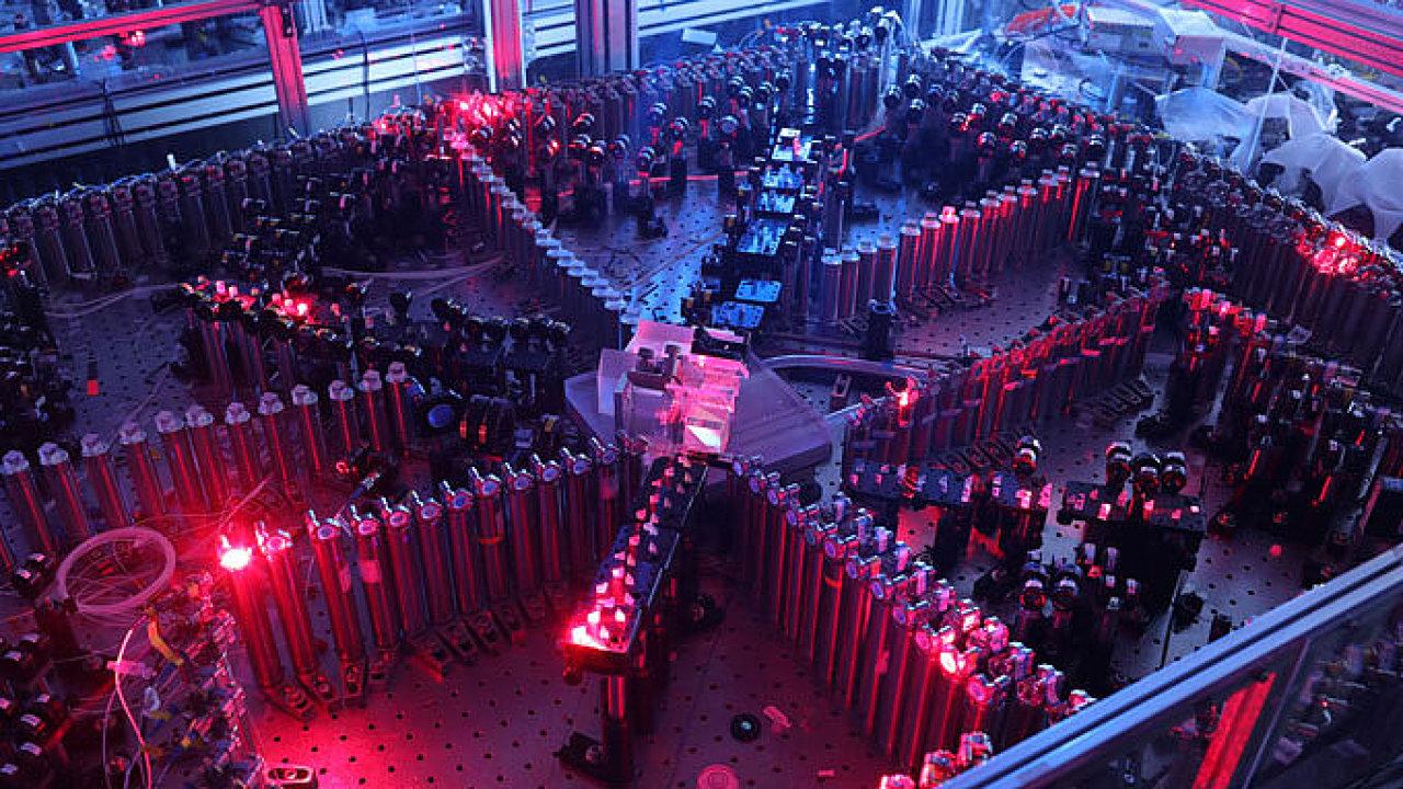 Kvantový počítač Jiuzhang dosáhl kvantové nadřazenosti díky algoritmu vyvinutému českými vědci.
