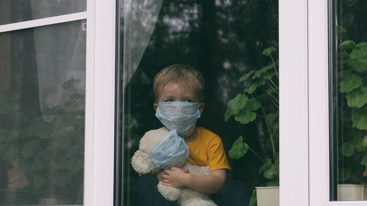 Prodělaná nákaza koronavirem může dětem zlikvidovat imunitu. Snaha o její probuzení pak hrozí vážnými následky.