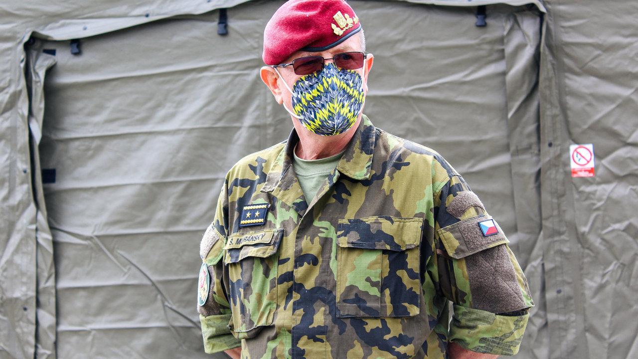 Generálmajor Štefan Muránský šéfuje logistice českých vojáků