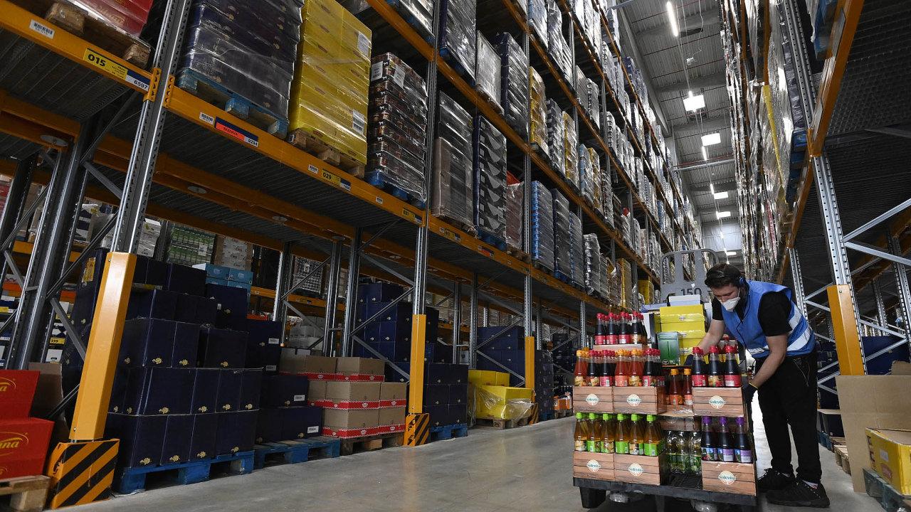 Kapacita skladu Lidlu činí až 47 tisíc palet.