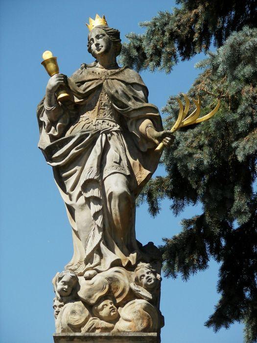 Cholina, sv. Barbora, detail sochy světice