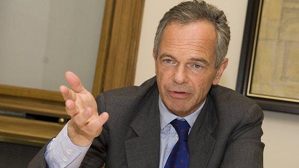 Šéf Erste Treichl: Zavedení bankovní daně by bylo pro Česko velkou ostudou