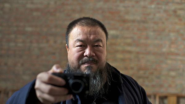 Aj Wej-wej má vízum pro pohyb po Evropské unii i pro návštěvu Velké Británie.