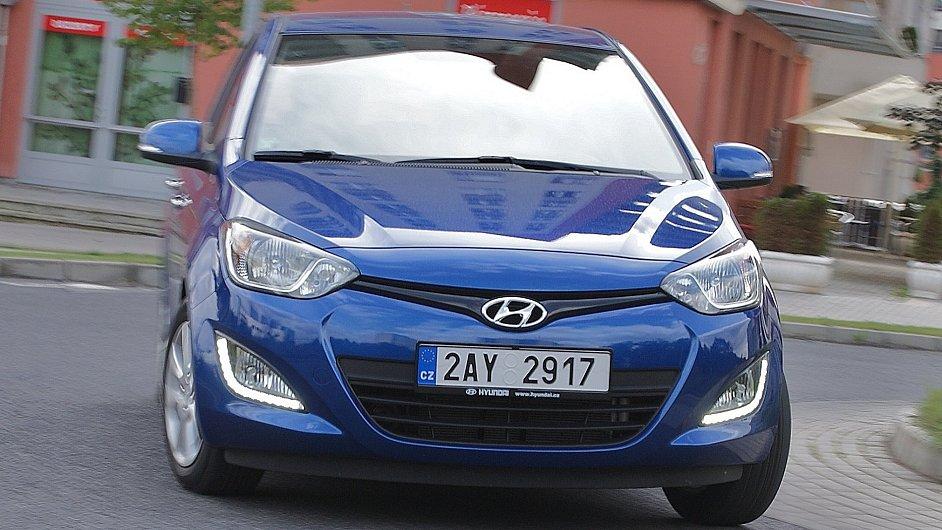 Hyundai i20 proti Škodě Fabia - v čem je lepší a kde prohrává?