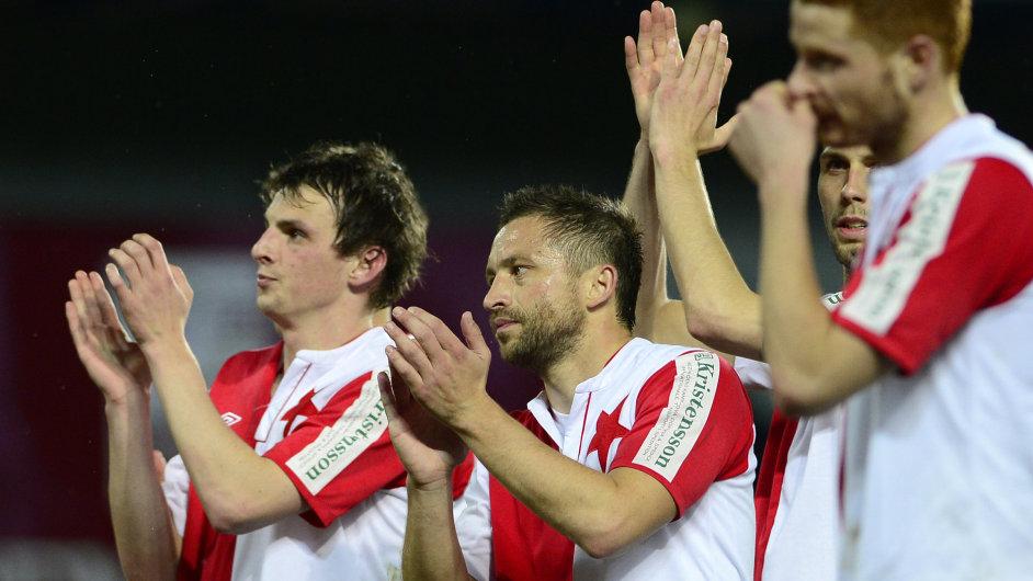 Slávista David Hubáček a jeho spoluhráči po derby se Spartou.