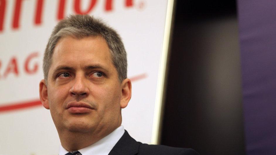 Ministr pro lidská práva, rovné příležitosti a legislativu Jiří Dienstbier (ilustrační foto)