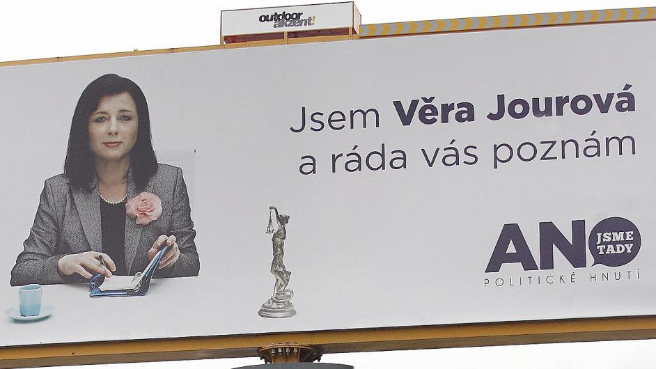 První místopředsedkyně Věra Jourová na volebním billboardu.