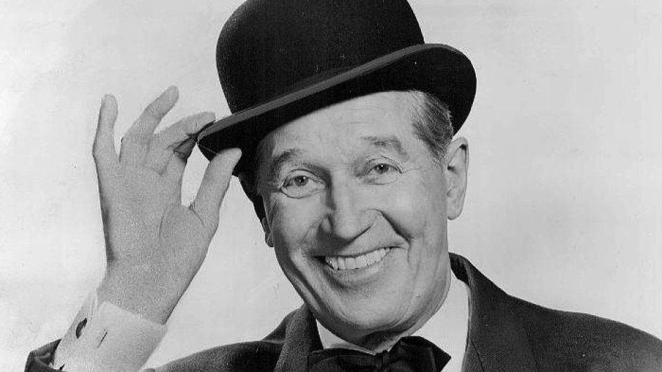Maurice Chevalier s tradičním kloboukem