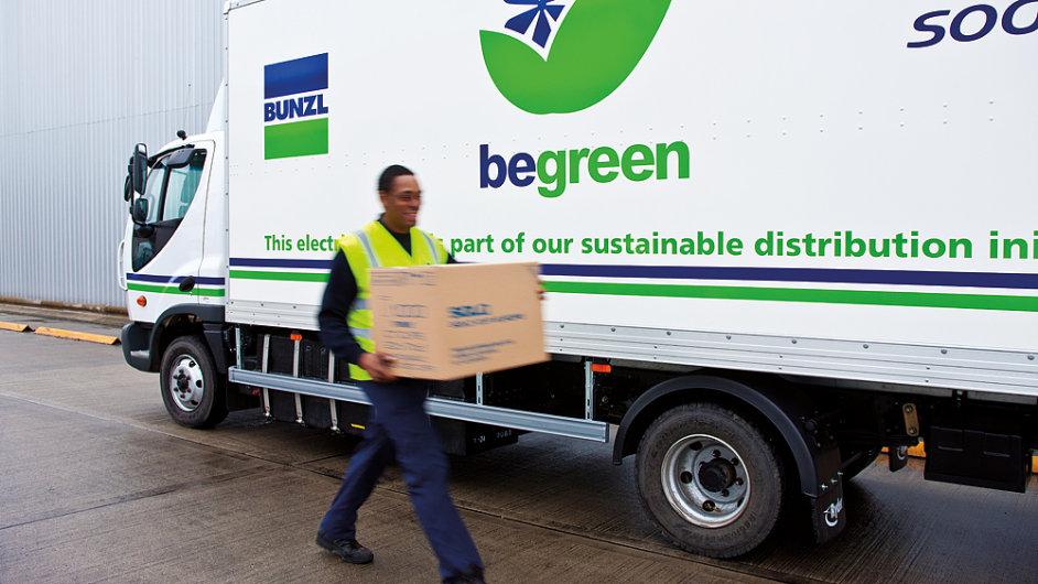 Pro britskou distribuční společnost Bunzl je koupě podílu v Oskar Plastu součástí expanze do střední Evropy.