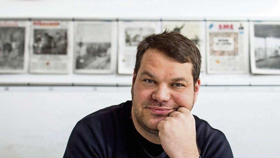 Tomáš Bella je muž, který ve slovenském deníku Sme stojí za návratem dlouhých textů.