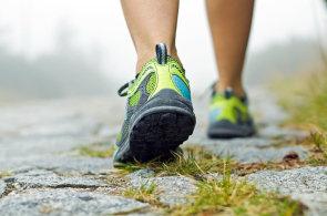 Nedostatek pohybu zabíjí víc než obezita, vědci radí chodit alespoň 20 minut denně