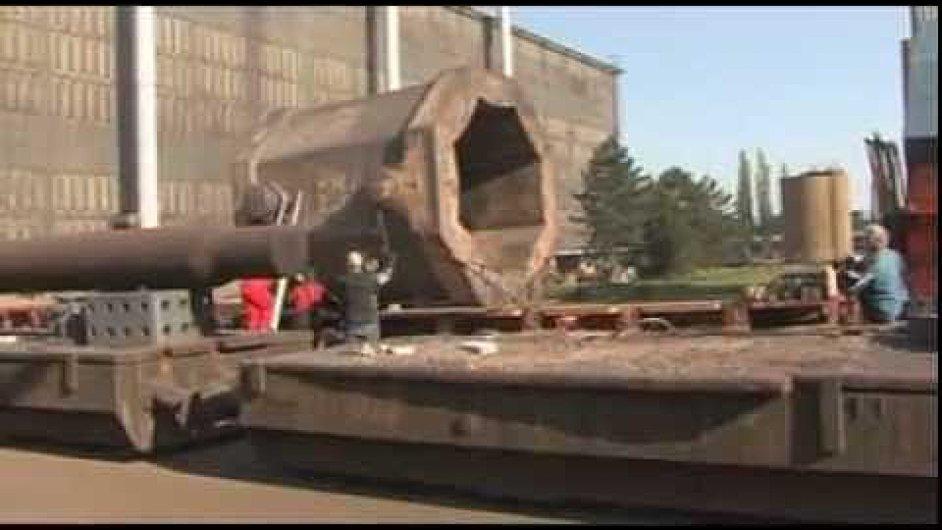 ArcelorMittal Ostrava Největší hutní odlitek, který byl za 60 let závodu vyroben (2009)