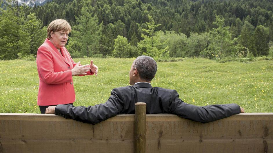Barack Obama a Angela Merkelová na setkání lídrů nejbohatších států G7 pod bavorskými Alpami.