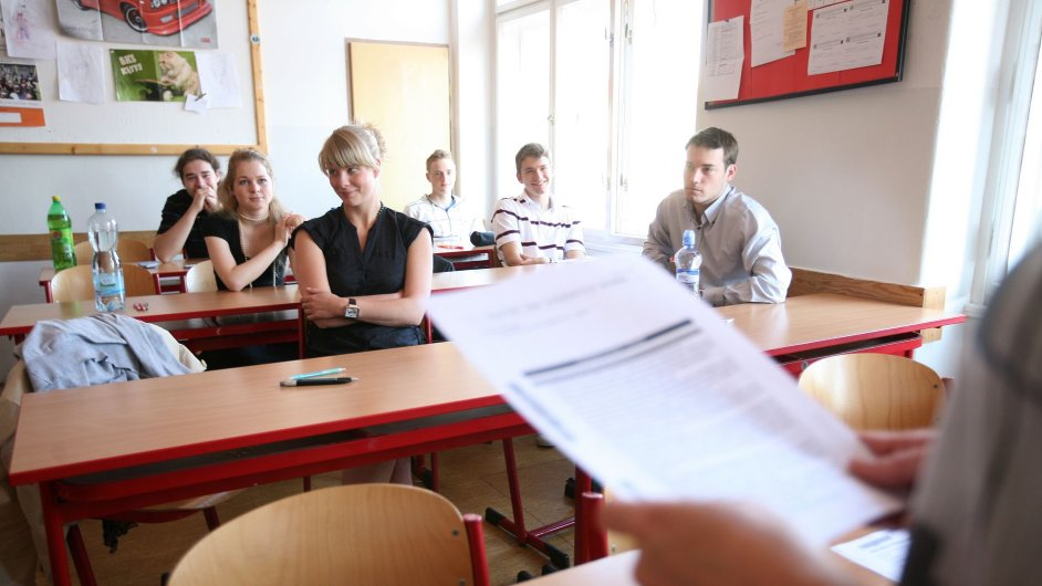 Zrušení povinné maturity z matematiky dlouhodobě požaduje například Česká středoškolská unie.