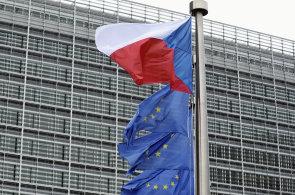 Mnoho Čechů si myslí, že z členství v EU plynou výhody - Ilustrační foto.