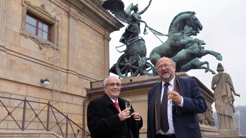 Ředitel Národního divadla Jan Burian (vlevo) a ředitel společnosti OHL ŽS Michal Štefl.