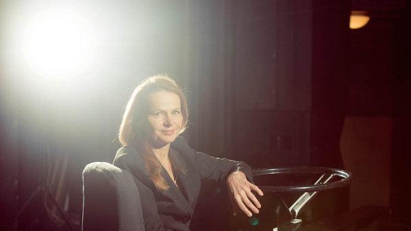 Daniela Šálková vede Divadlo v Dlouhé od jeho založení roku 1996.